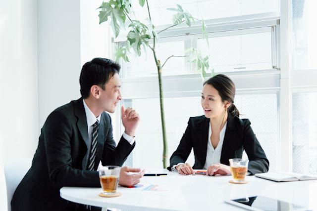 正しい敬語の使い方と尊敬語、謙譲語、丁寧語の基本|間違えやすいビジネス敬語の例も解説