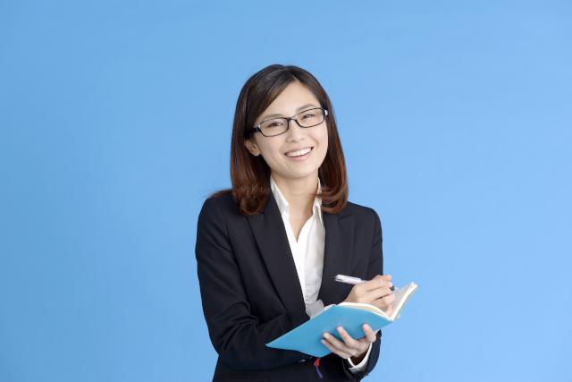 秘書検定の難易度や役立つシーンをご紹介